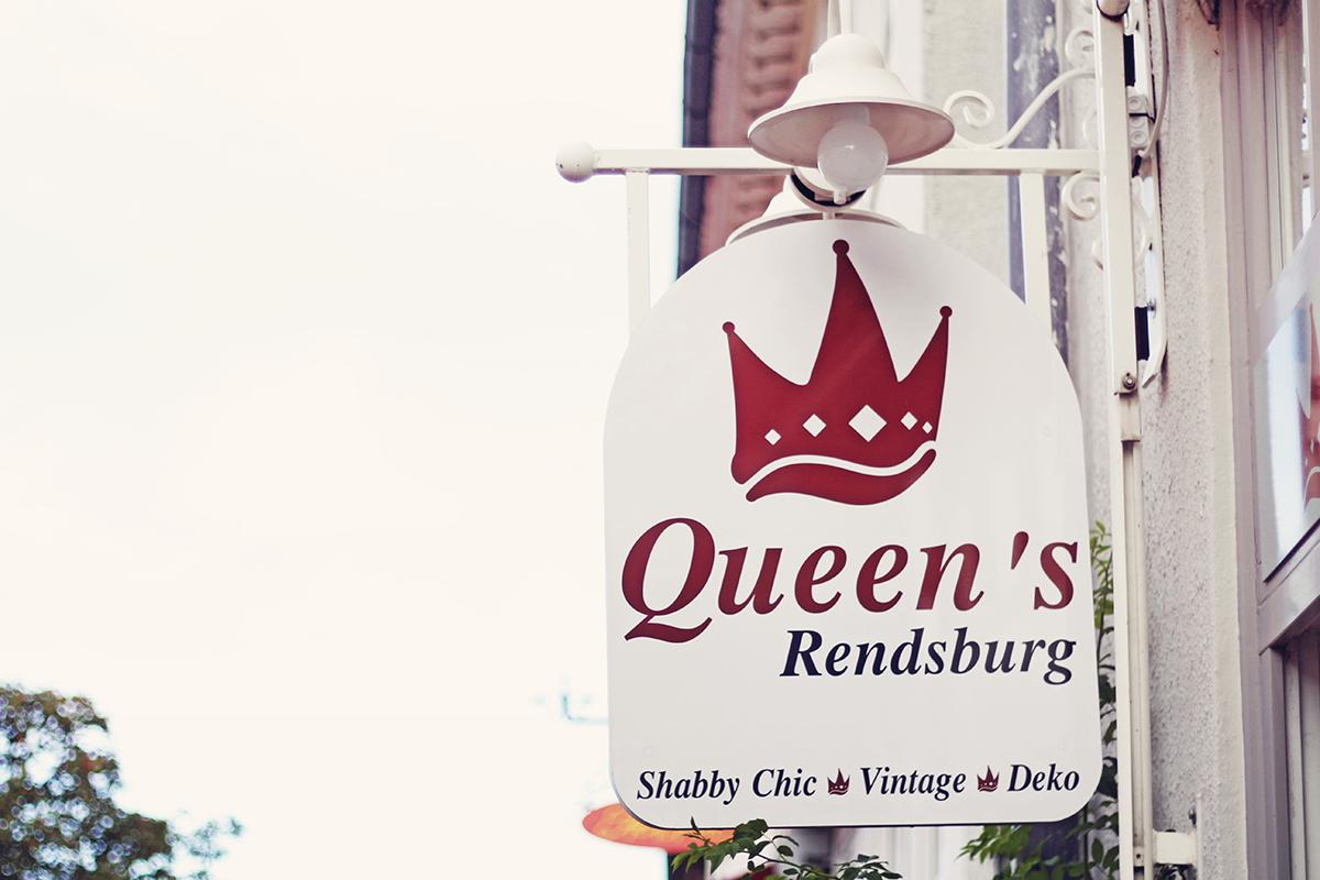3-schild-queens-rendsburg-quer