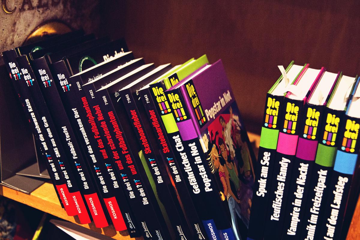 Drei-Fragezeichen-Buch-Kinds-Kinder-Buchhandlung-Almut-Schmidt