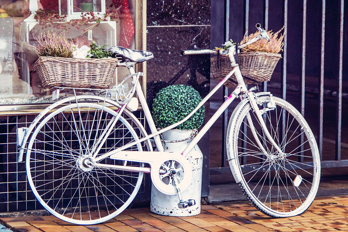 Cafeamkleinflecken-neumuenster-fahrrad-shabby