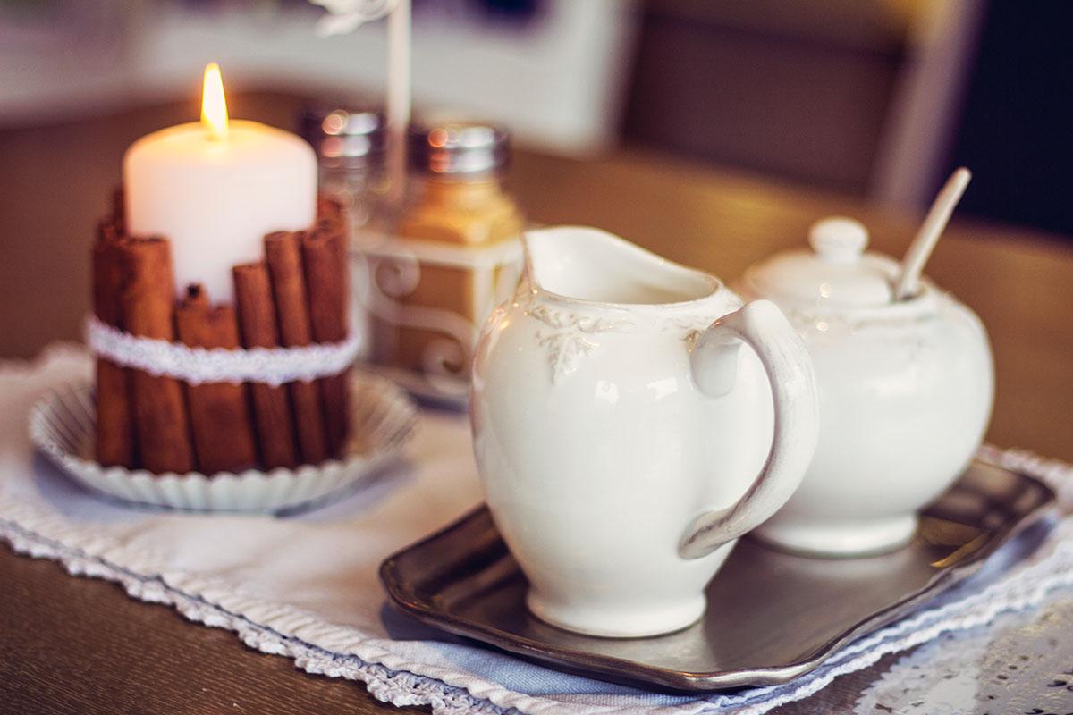 Cafeamkleinflecken-neumuenster-kaennchen-zucker-shabby-vintage