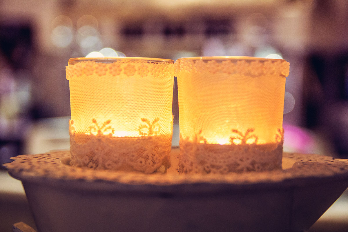 Cafeamkleinflecken-neumuenster-kerzen-spitze-teelicht