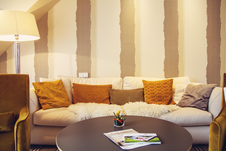 HotelBirke_Suite_Kiel_Couch_Sofa
