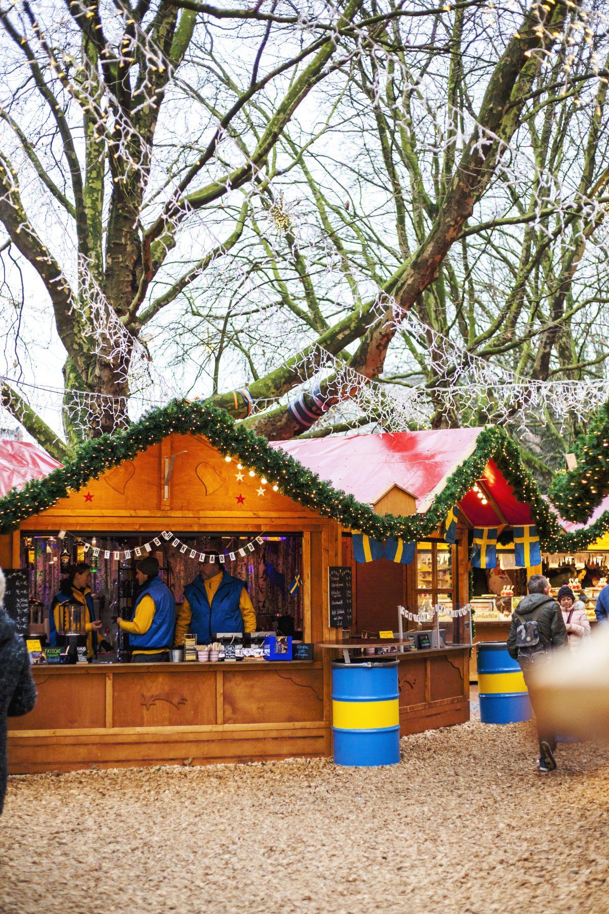 Weihnachtsmarkt Ratzeburg.Die Schwedenhütte Ein Highlight Auf Dem Kieler Weihnachtsmarkt