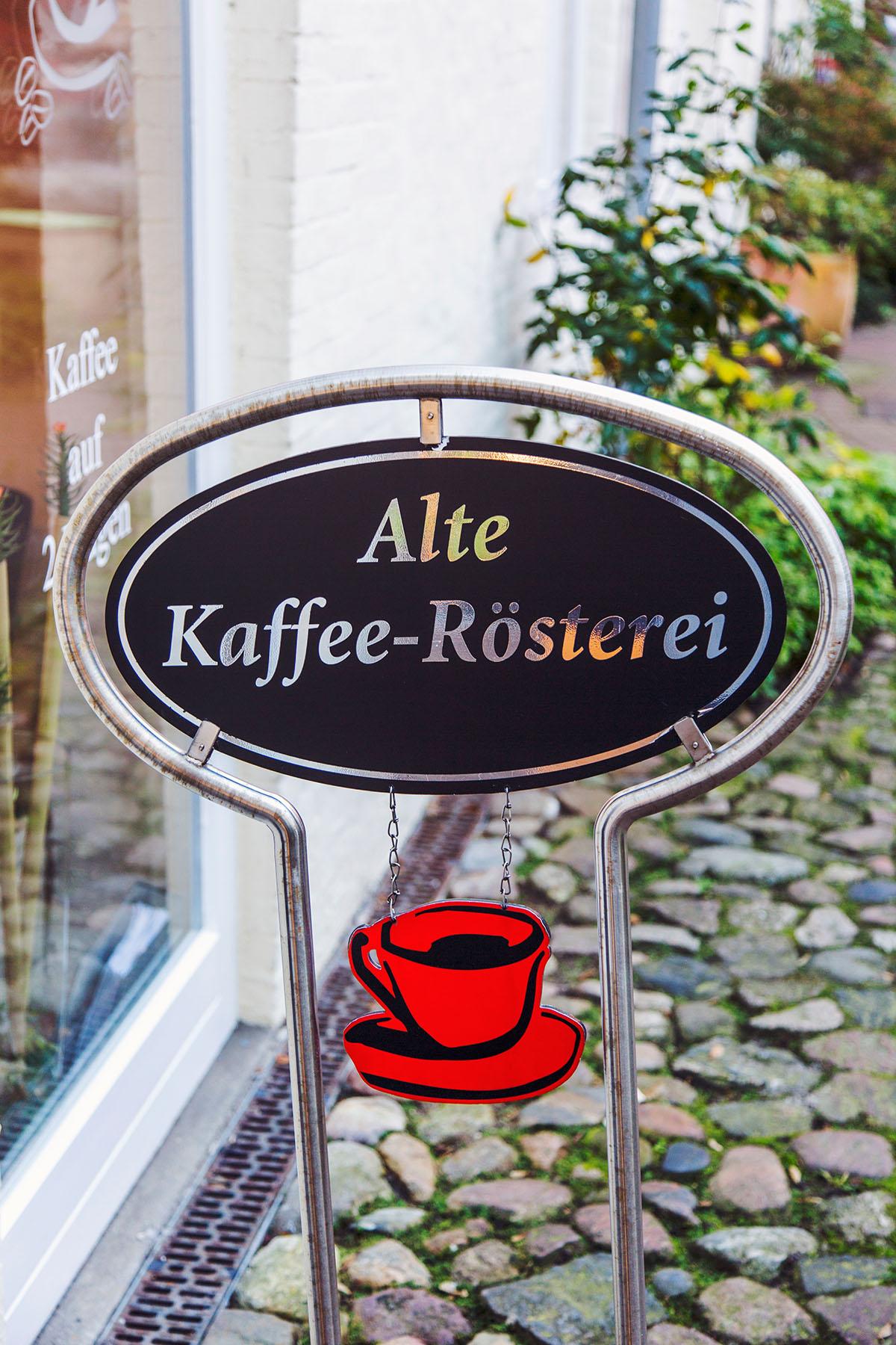 Entdecke die Rote Straße in Flensburg: Cafés, Restaurants, Hinterhöfe und individuelle Geschäfte
