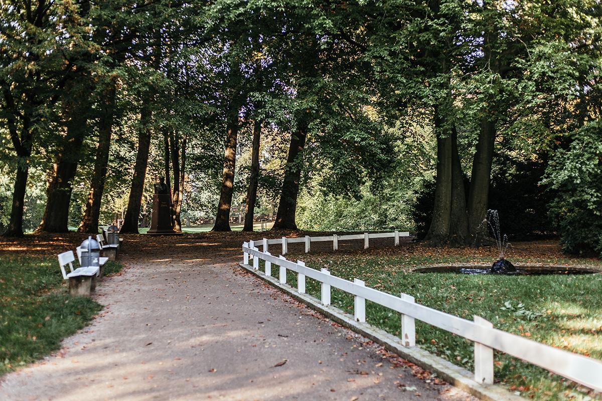 Ein Herbsttag in Husum: Entdecke viele Tipps für deinen Ausflug in die Hafenstadt! Schlosspark