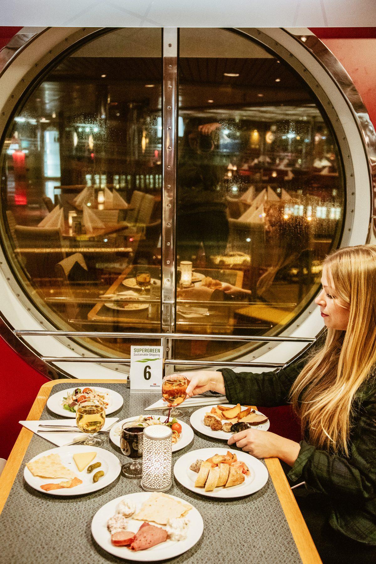 Ich habe einen Minitrip mit Stena Line von Kiel nach Göteborg in Schweden unternommen. Hier berichte ich dir von meinen Erfahrungen an Bord der Fähre.