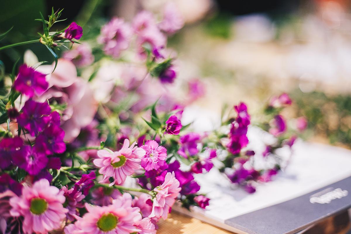 Zu Besuch beim Floristik-Workshop bei 2fach in Kiel: Lerne das Blumenstecken