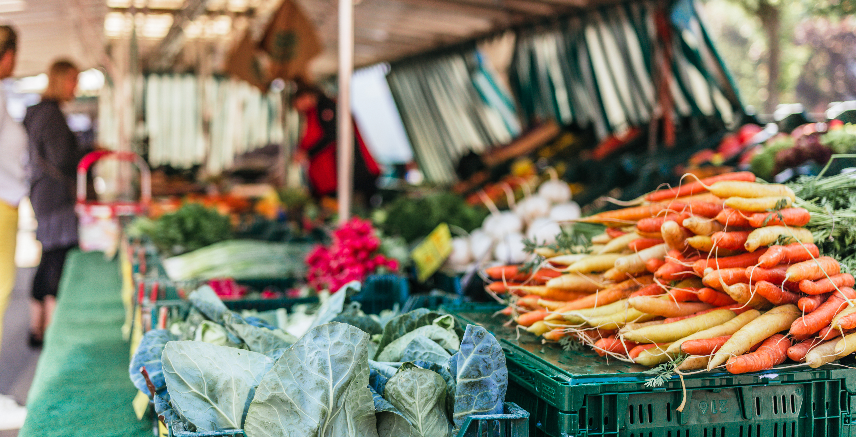 Regional und nachhaltig: Der Wochenmarkt auf dem Blücherplatz in Kiel