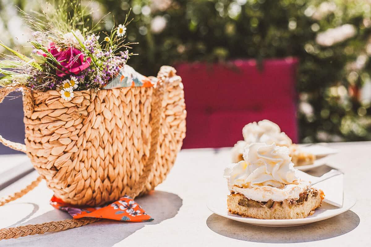 See-Café Bordesholm Rhabarber-Baiser-Kuchen