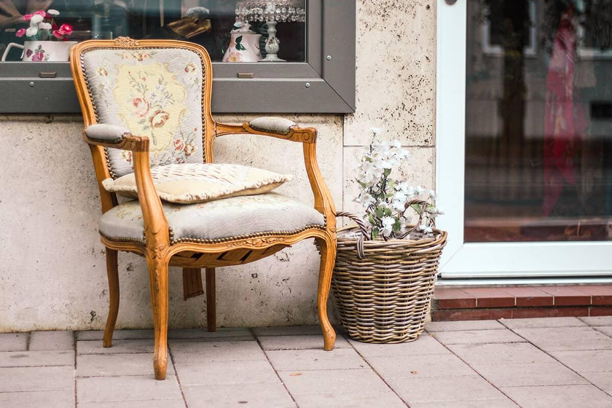 Die schönsten Second Hand Läden in Kiel: Goldkleid in der Gutenbergstraße