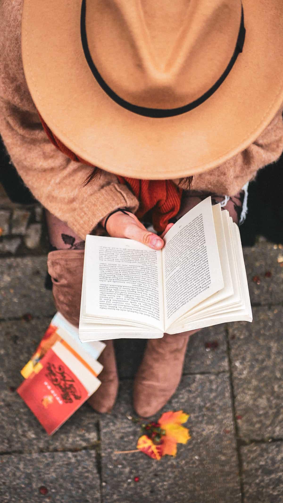 Buch lesen Herbst
