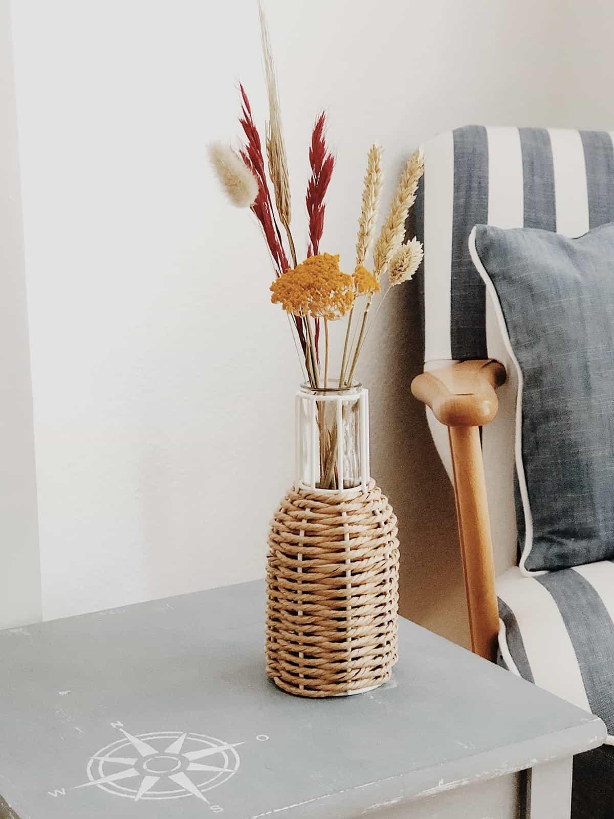 Trockenblumen Strauß Vase Korb
