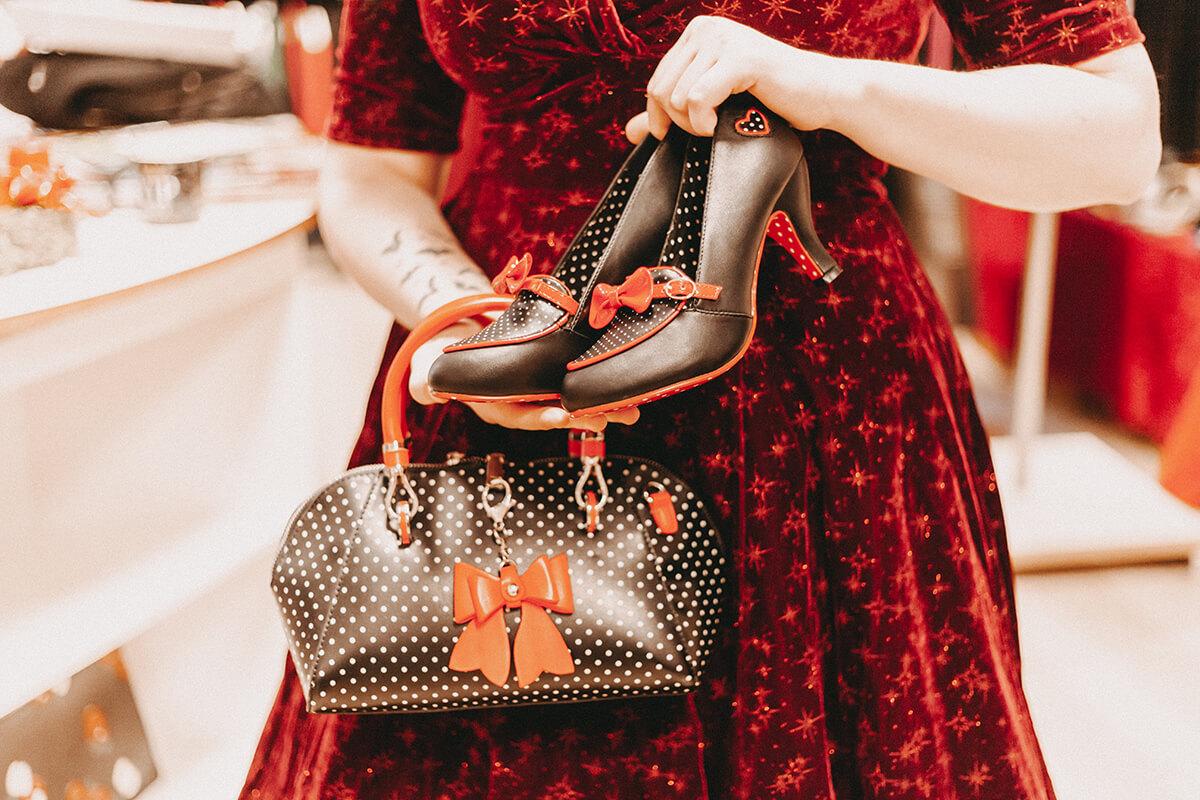 Polkadot Schuhe und Tasche