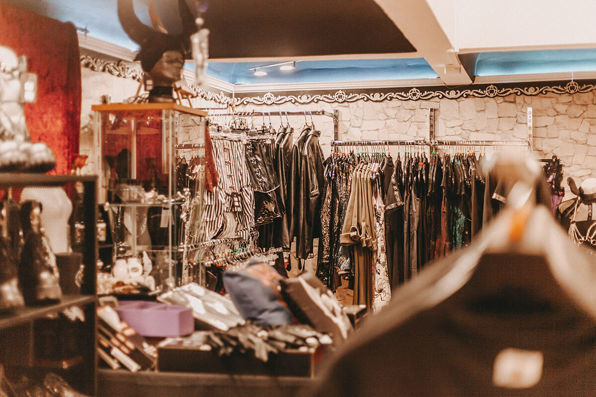 Gothic Abteilung Obscene Store