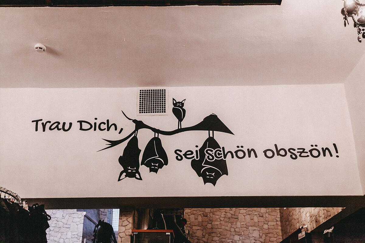 Leitspruch Obscene Store