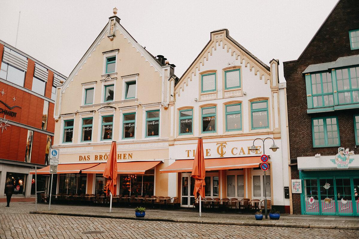 Tine Café Husum Außenaufnahme