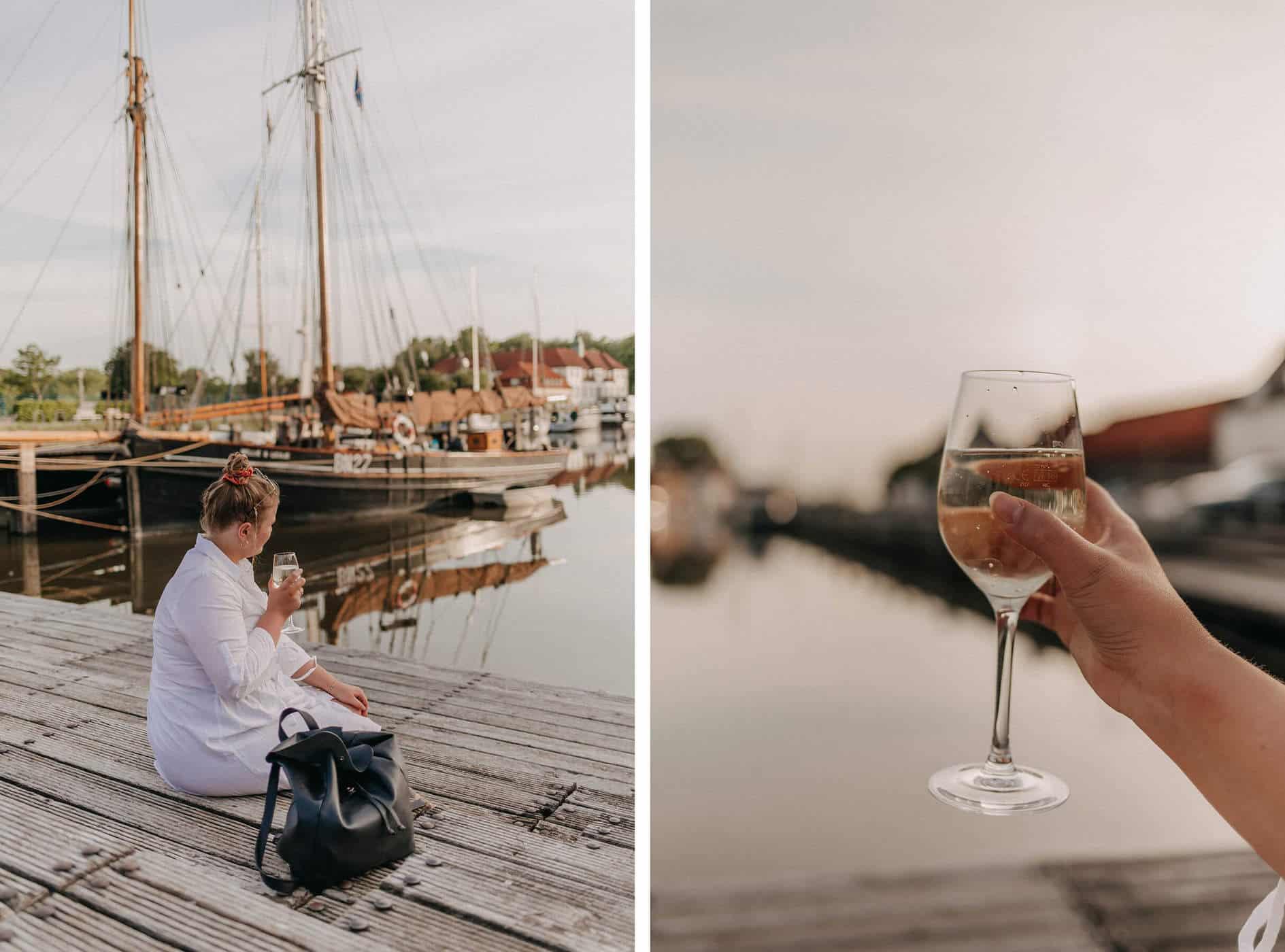 Weintrinken am Hafen von Glückstadt