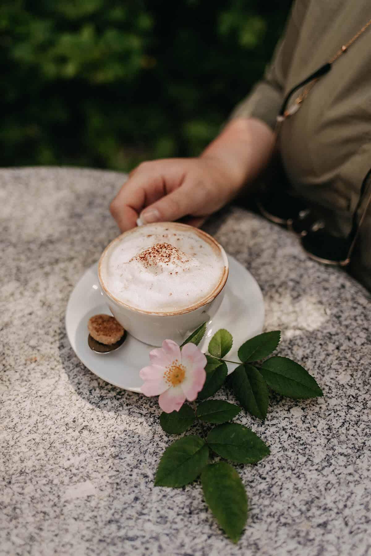 Kaffee in der Bücherstube