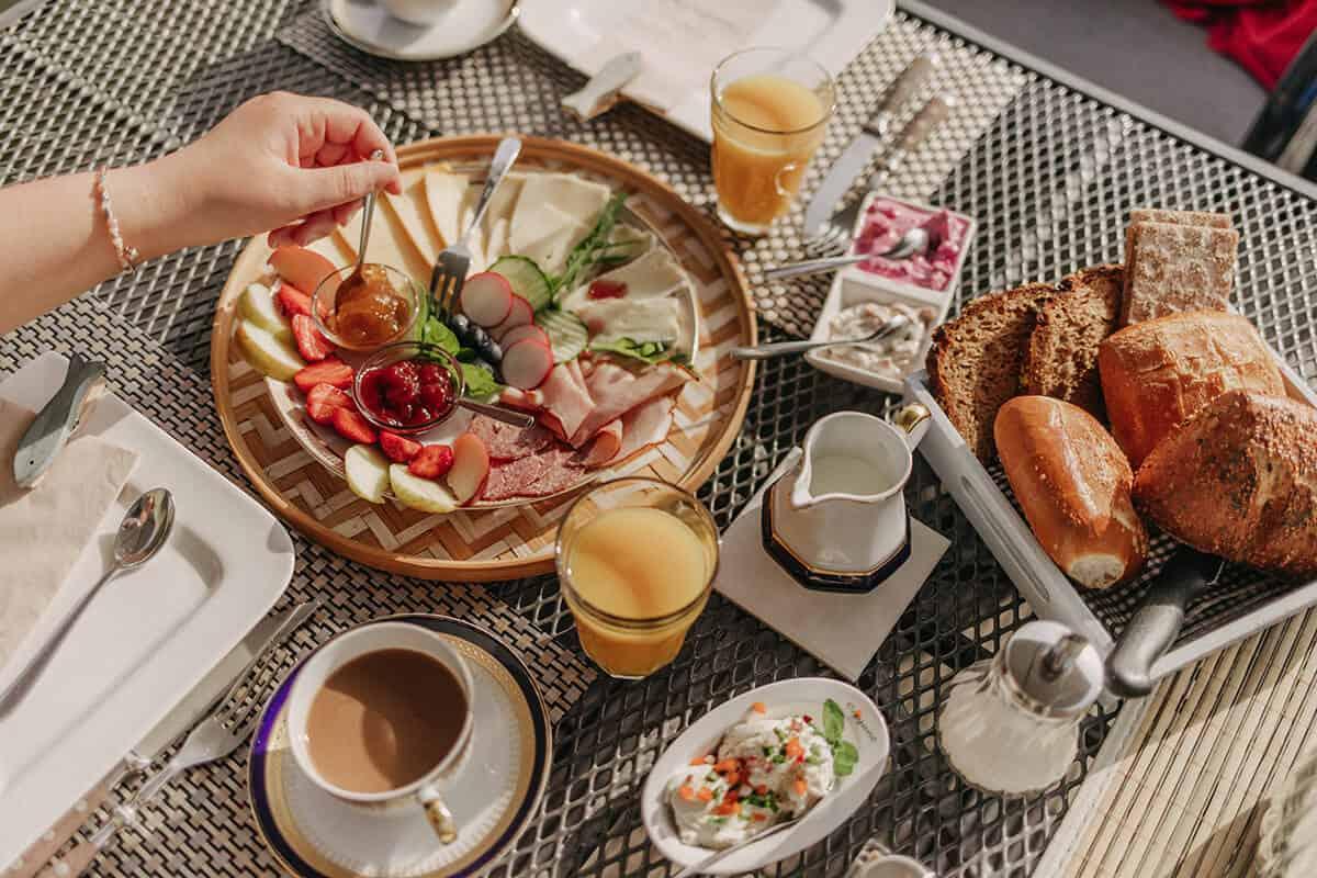 Brückenbaus Frühstück