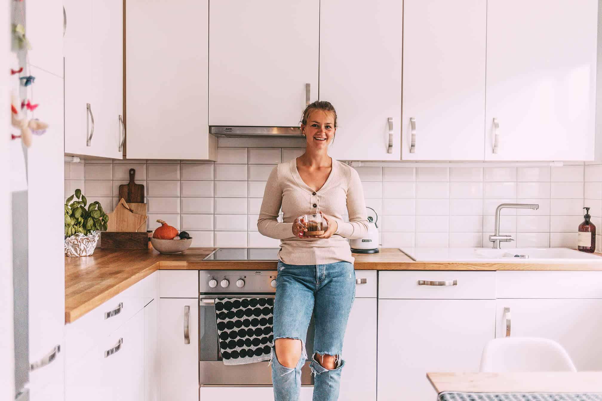 @grasshopper_laura: Laura in der Küche