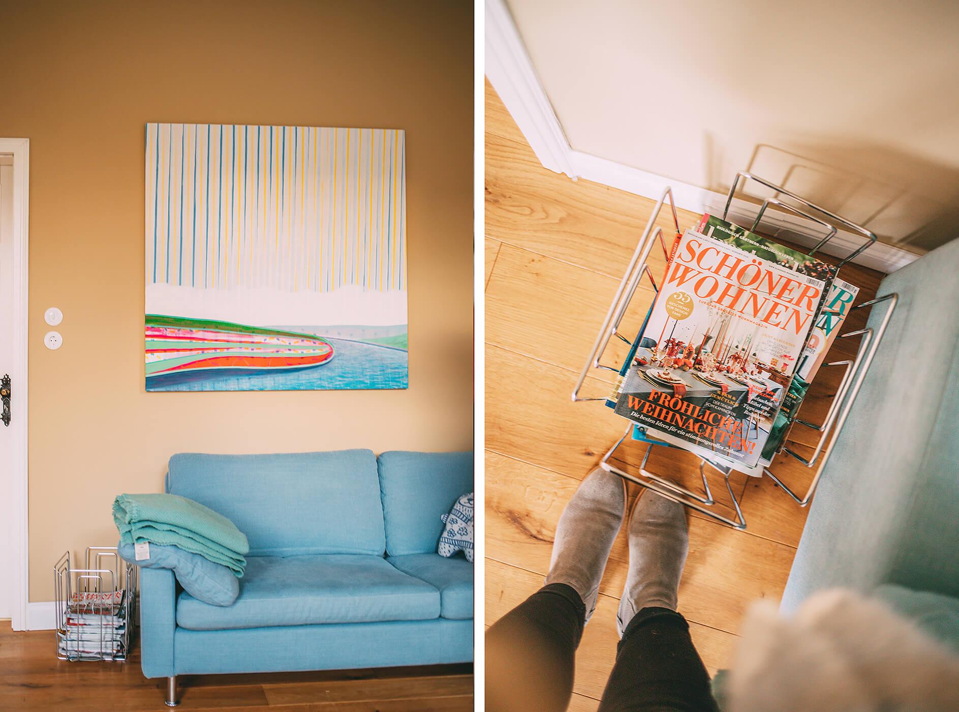 Sofa und Magazine