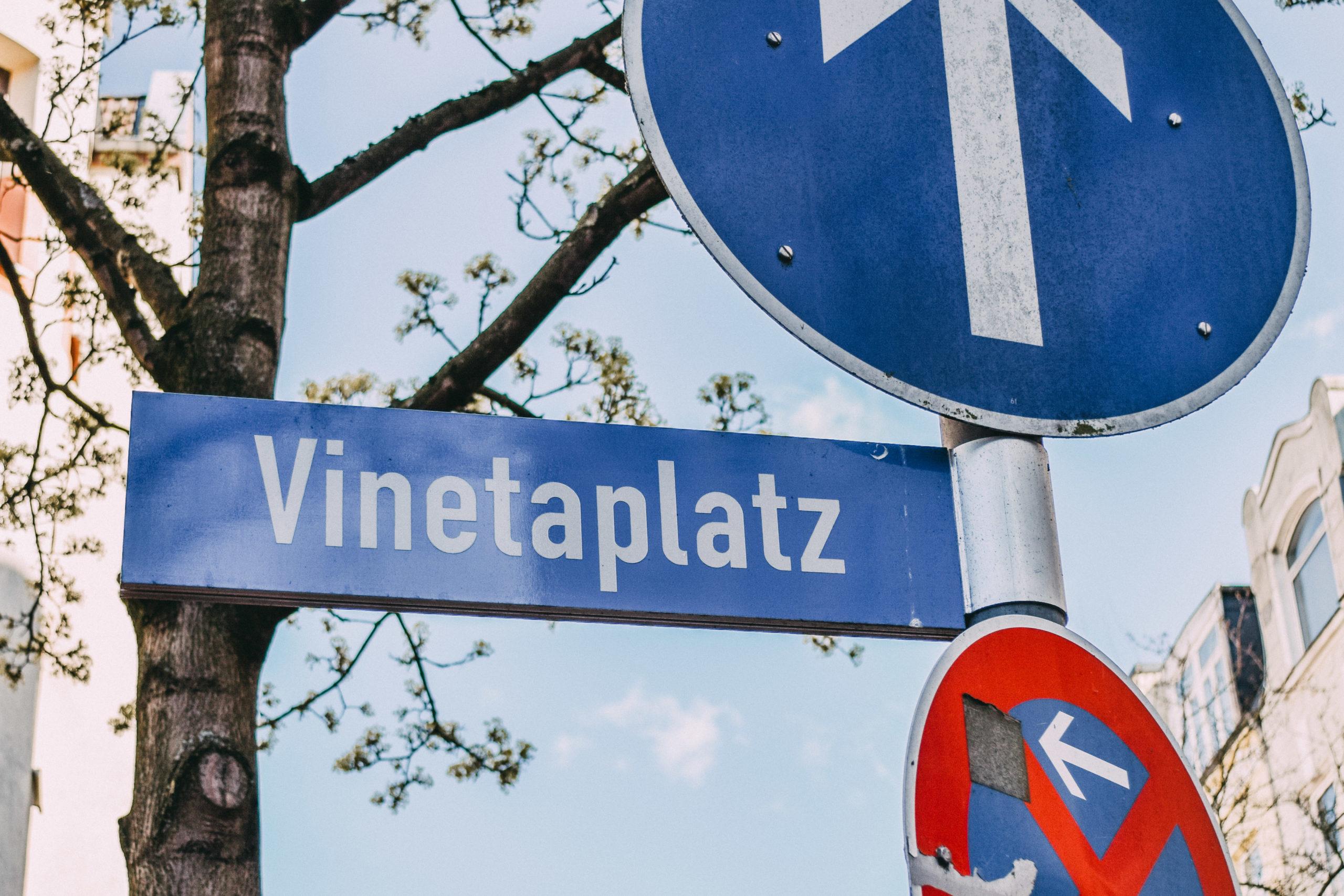 Straßenschild Vinetaplatz
