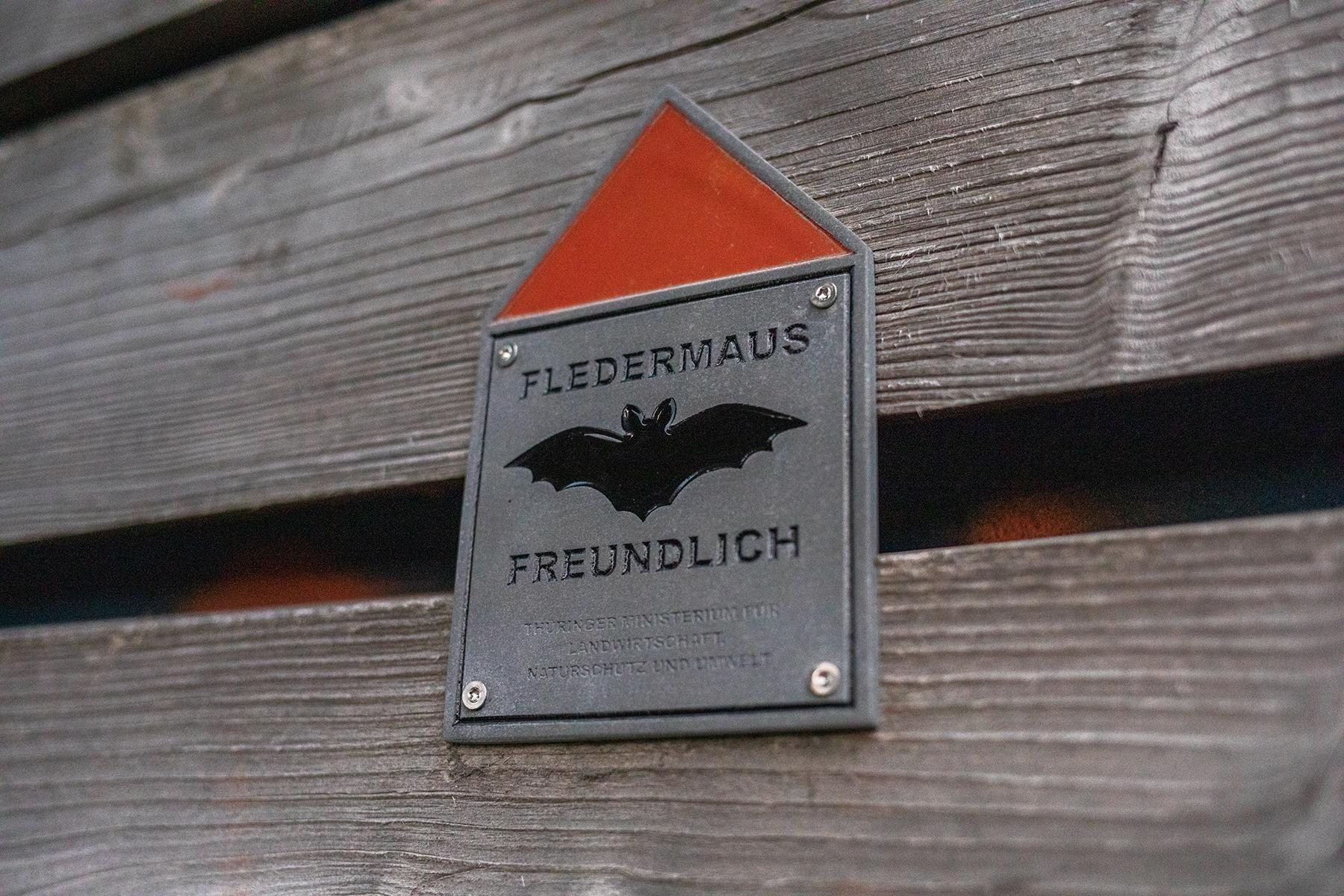Schild Fledermaus Freundlich
